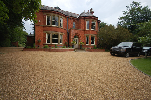 Stabilised gravel driveway in Knutsford