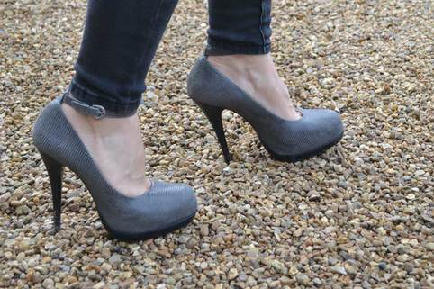 High heels able to walk without sinking on Stabilised Gravel driveway